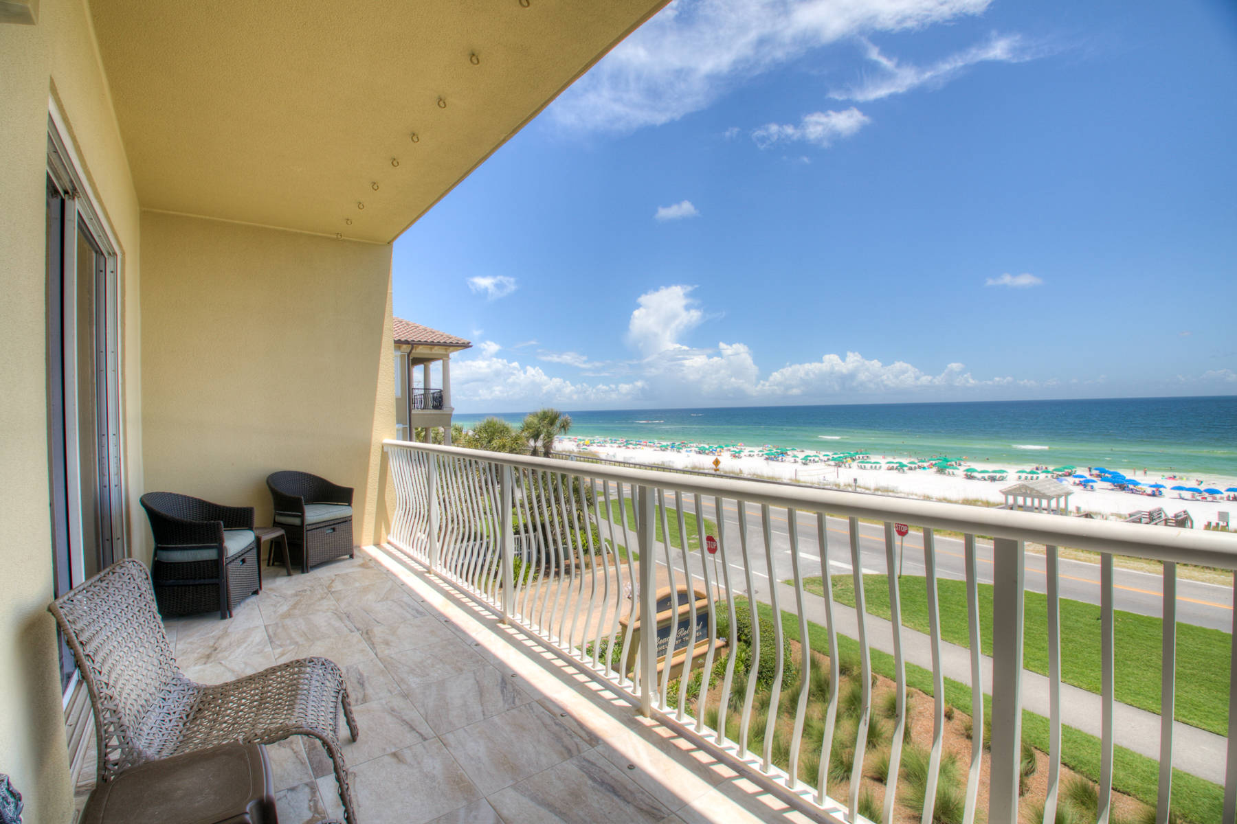 Beach Retreat 308 2 Bedroom Vacation Condos On The