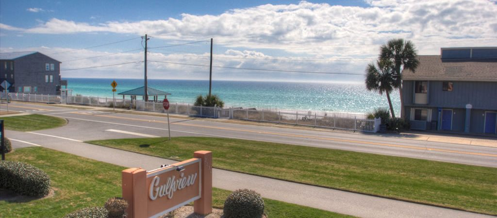 A view of the beach from our Gulfview rentals in Destin, Florida.