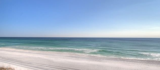 Where to find dog and pet friendly vacation rentals in Destin, Florida.