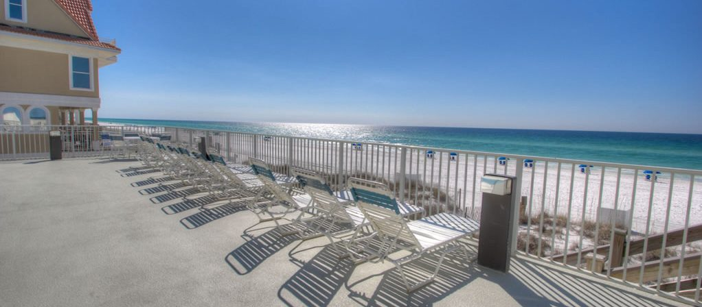 A view of the beach from our Destin vacation rentals.