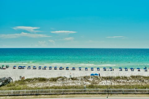 Monthly rentals for snowbirds in Destin, Destin Harbor, Miramar Beach. Many of our rentals are near the Silver Sands Outlet Mall, Destin Commons, and Grand Boulevard!