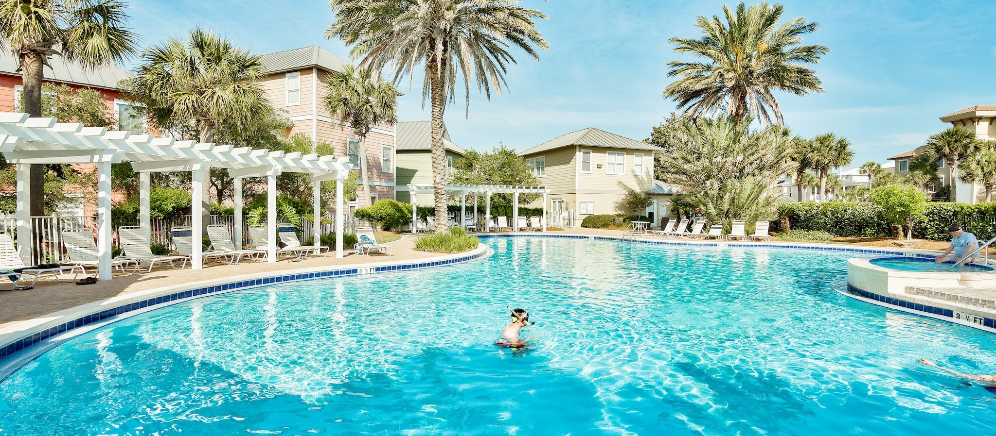 There are lots of amenities at Beach Retreat condos in Destin, Florida.