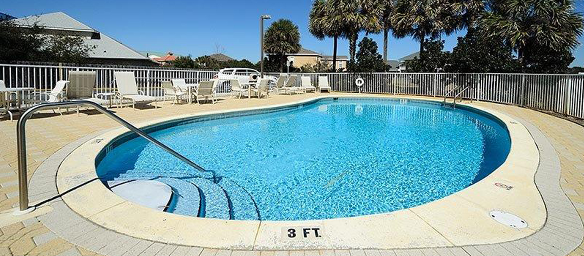 Find vacation rentals with pools near Destin, FL.